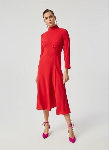 Monamoda Yarım Balıkçı Büzgü Detaylı Crep Elbise Kırmızı